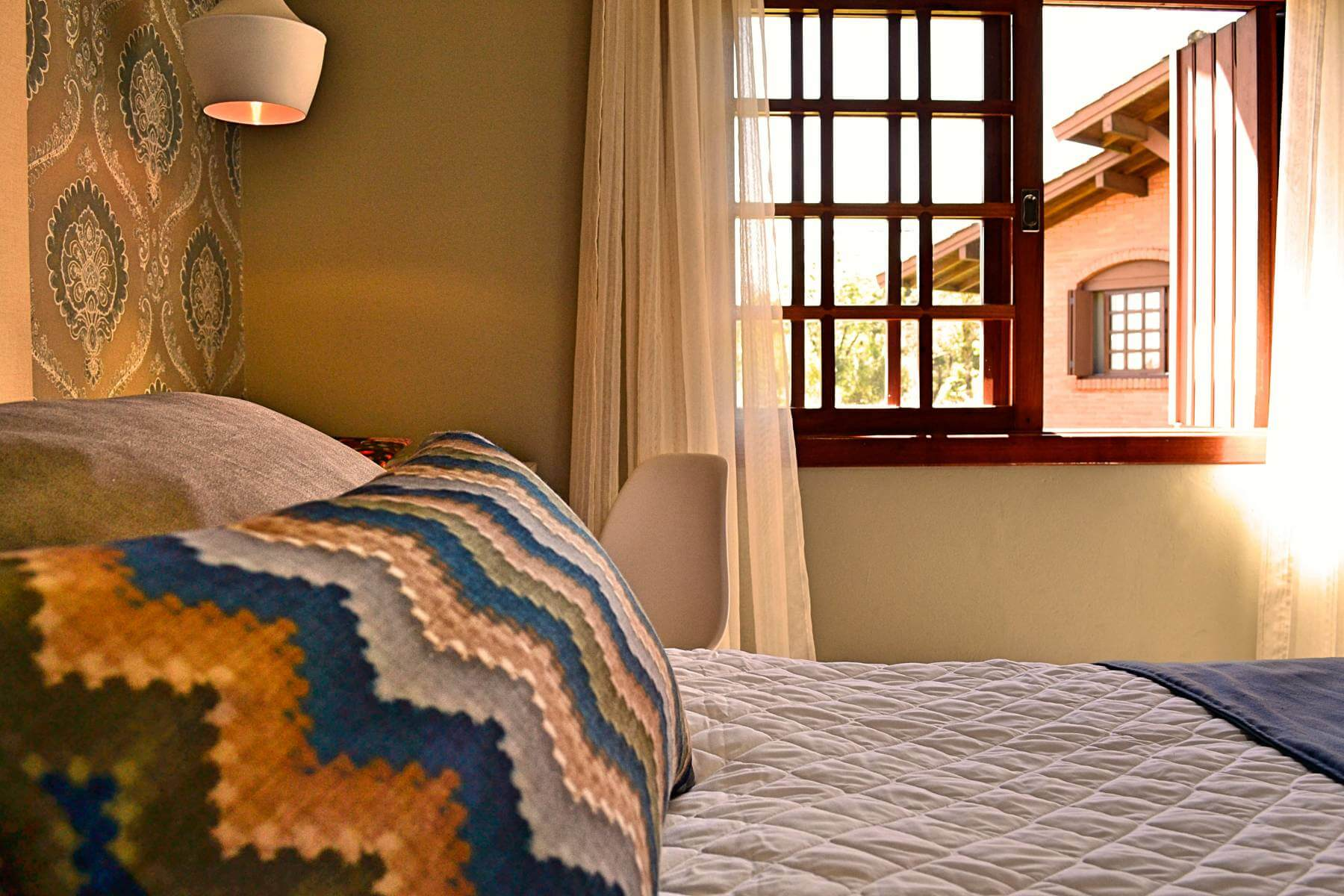 Bangalô Amor Perfeito - Hotel Bangalôs da Serra #CurtaSuaFamilia #HotelSustentavel #TurismoVerde #TravelersChoice #EcoLider #Gramado