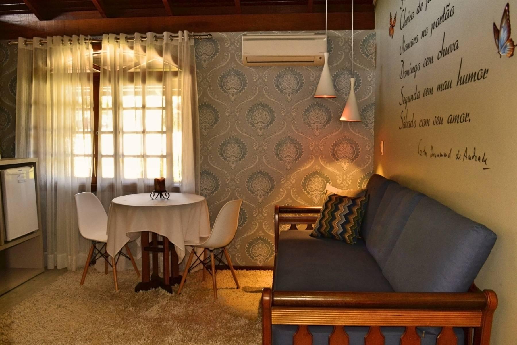 Bangalô Amor Perfeito - Acomodações do Hotel Bangalôs da Serra em Gramado #CurtaSuaFamilia #HotelSustentavel #TurismoVerde #TravelersChoice #EcoLider #Gramado #SerraGaucha