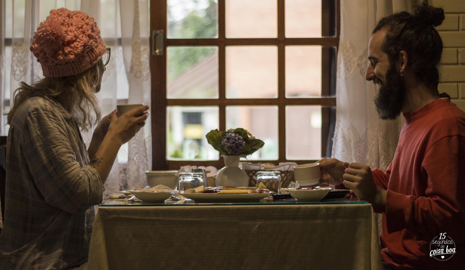 Casal Cafe da Manha