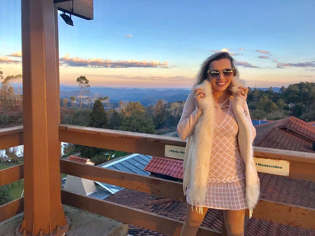 Carina Gomes - Influenciadora Digital