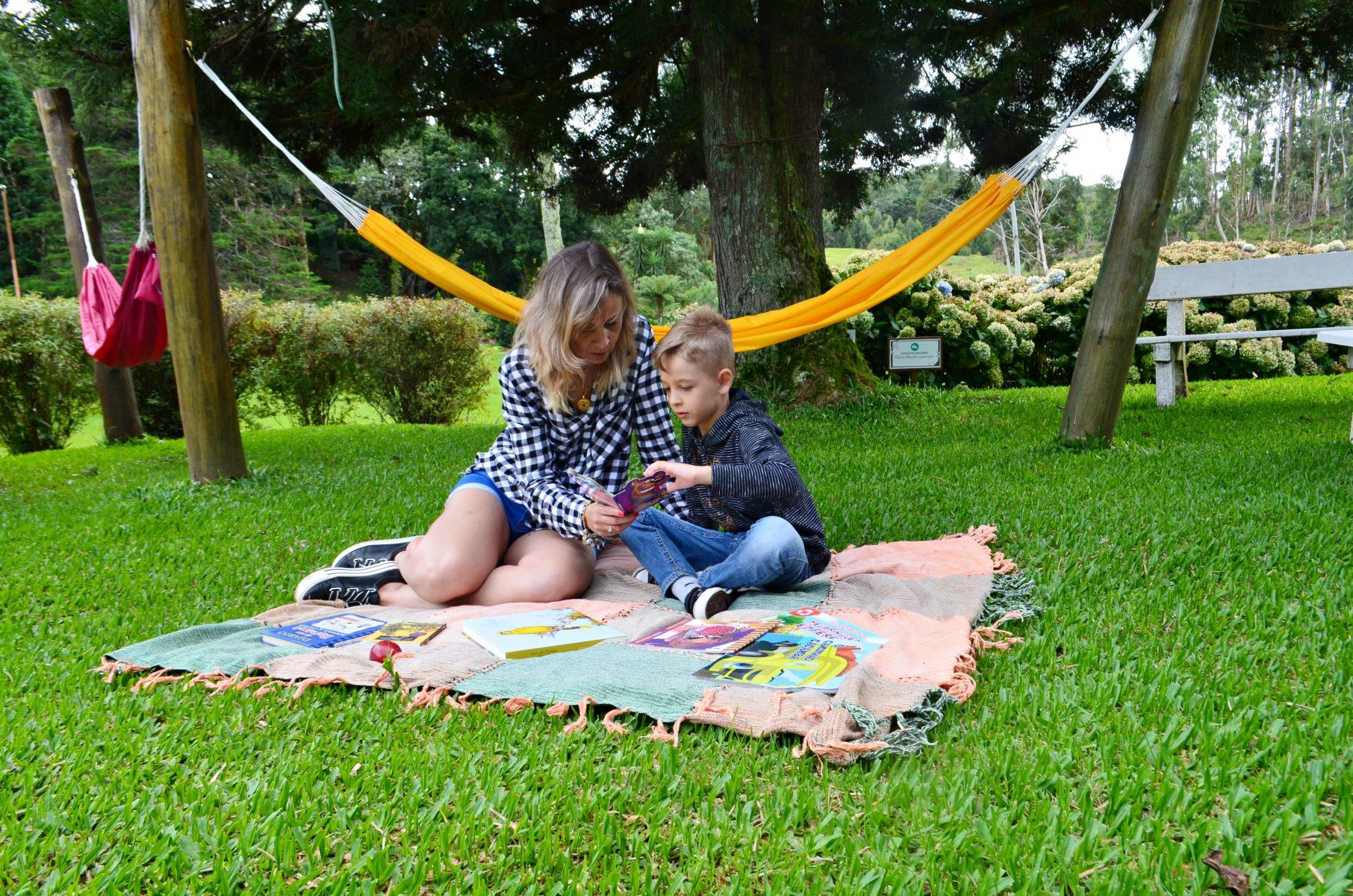 Rede Jardins Pais e Filhos Criancas Biblioteca