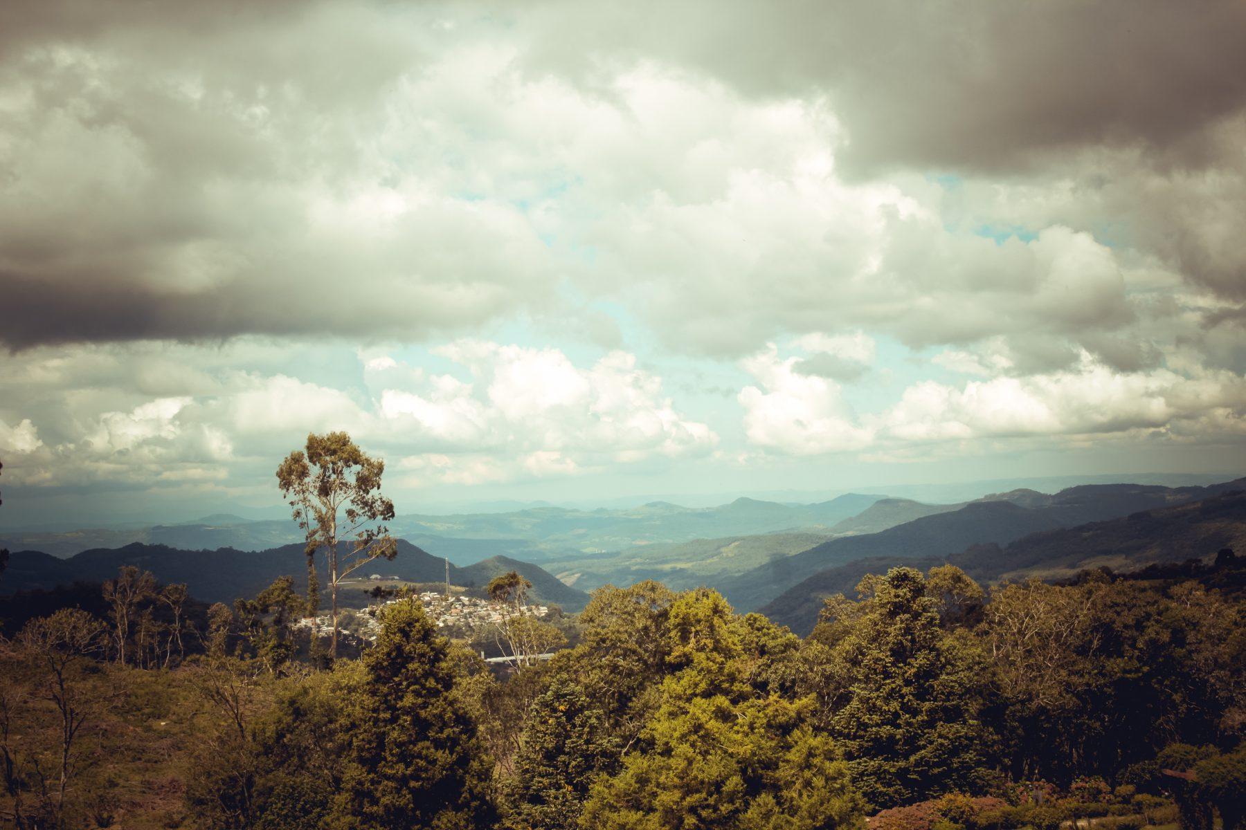 Vista ao Vale do Trigre no Hotel Bangalôs da Serra de Gramado - Foto: Natassia Truz Moraes