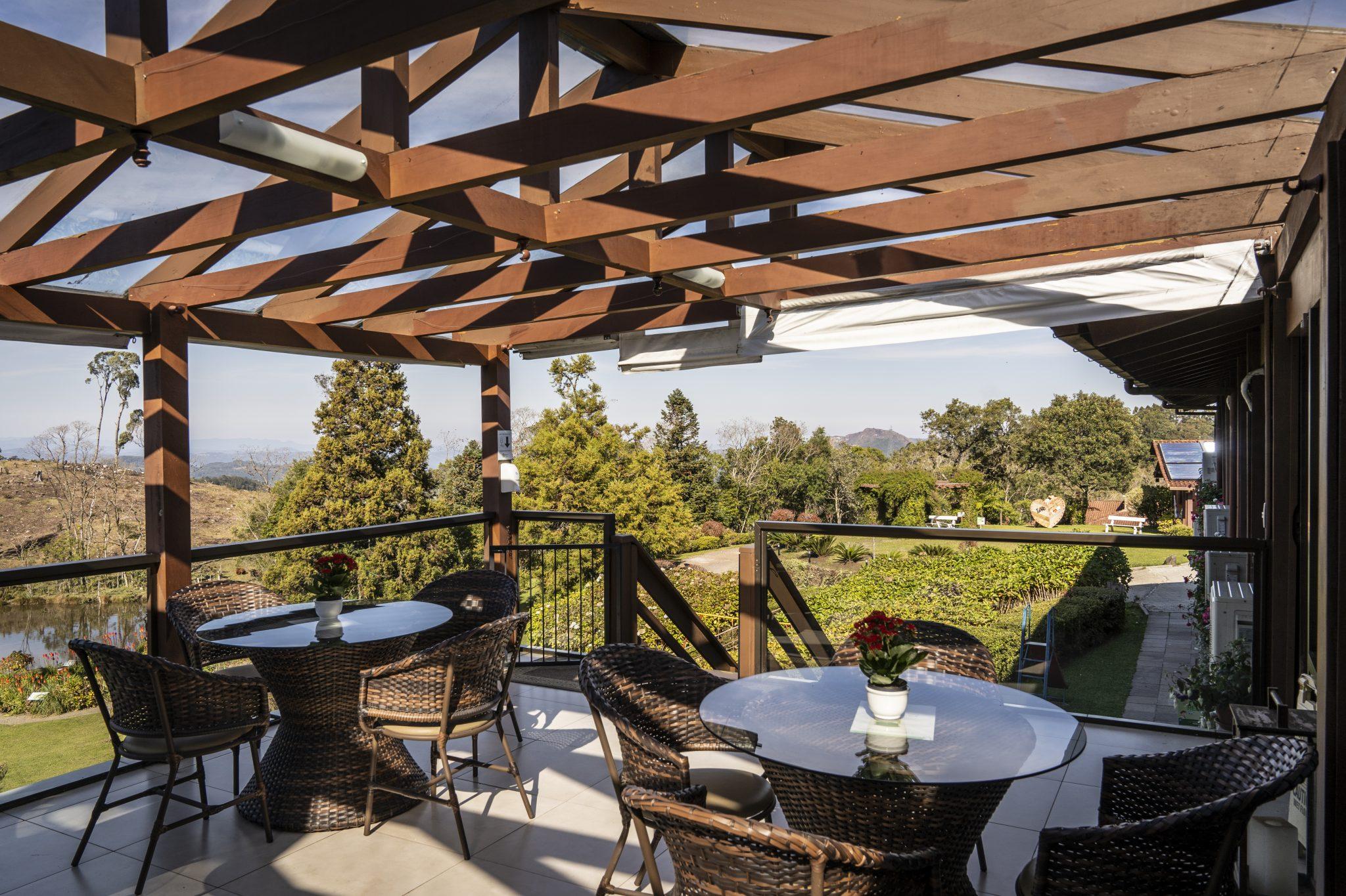Deck Pet Café no Hotel Fazenda em Gramado - Foto Marcelo Curia